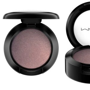 MAC Eye Shadow - Color: Satin Taupe